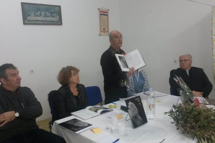 Poljana: Promocija knjige Senka Sorića 'Umorne ruke'