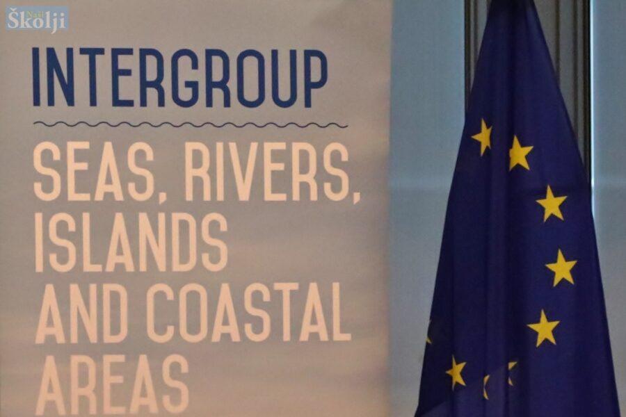 """""""Otočne regije zaostaju u usporedbi s kopnenim područjima Europske unije"""""""