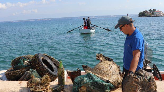 Čišćenje podmorja i obale u Malom Lukoranu
