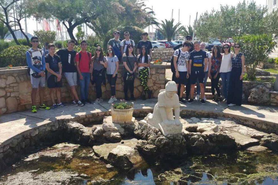 Učenici Privatne gimnazije Nova na terenskoj nastavi u Preku