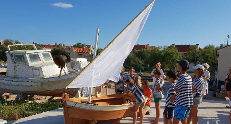U samo pet dana djeca na Silbi sama izradila svoju barku!