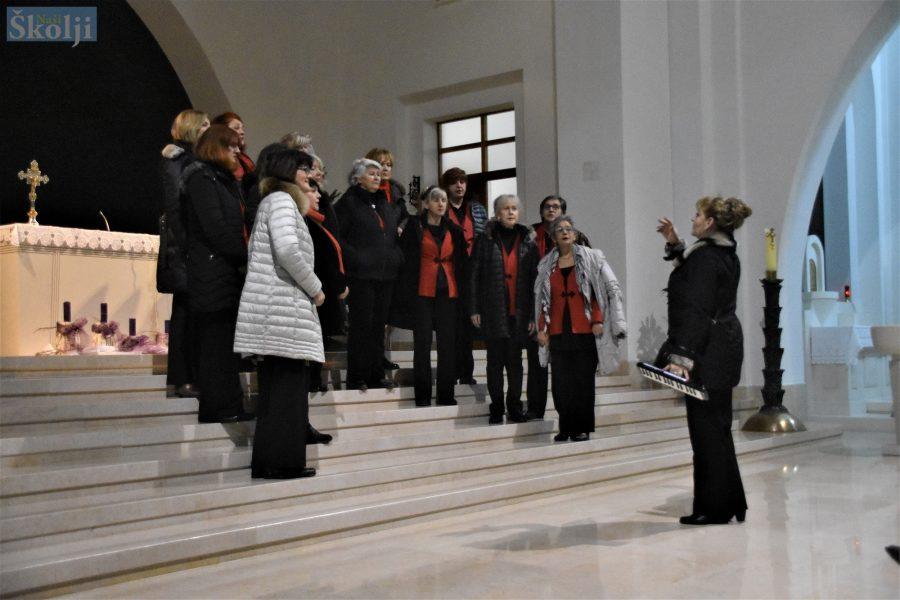 Božićni koncert ženskih klapa Marjanke i Lavandiere
