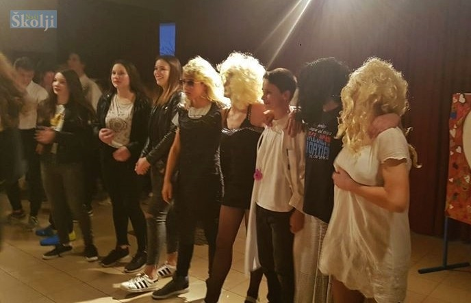 Učenici još jednom proslavili Valentinovo uz Karaoke natjecanje