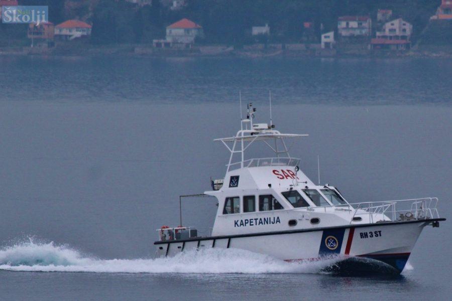 Trudnicu iz Preka brod Lučke kapetanije po gustoj magli prevezao u Zadar