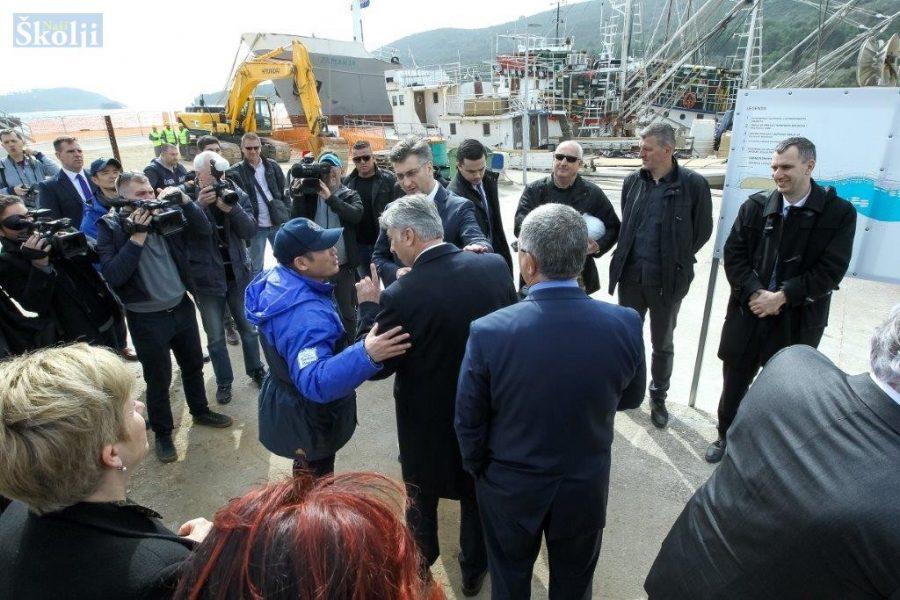 Premijer Plenković posjetio otoke Ugljan i Pašman
