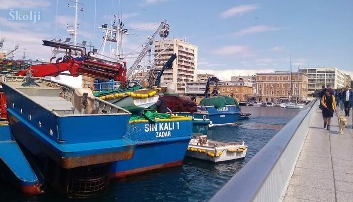 Prosvjed tunolovaca zbog oduzimanja ulovne kvote