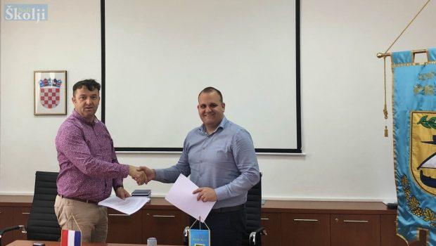Potpisan ugovor za energetsku obnovu zgrade Općine Preko
