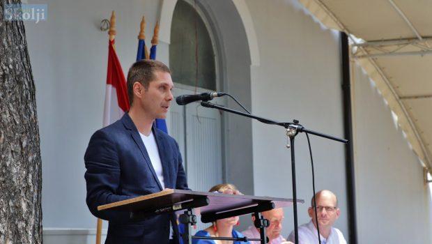 Kukljica: U godinu dana provedeno 11 projekata vrijednih pet milijuna kuna