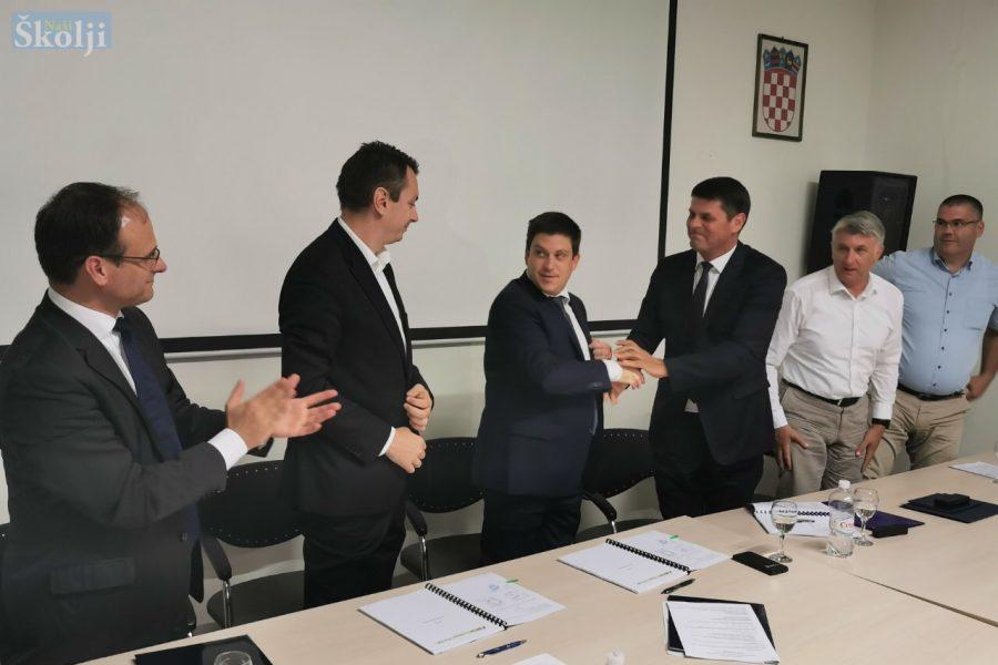 Potpisan ugovor za dogradnju luke Sali vrijedan više od 56 milijuna kuna