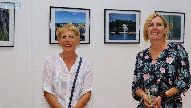 Milena i Maja fotografijama dvostruko povezale Ugljan i Pašman!