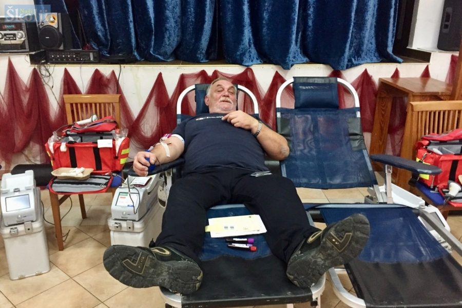 U posljednjoj ovogodišnjoj akciji Jakov Sorić darovao krv 100. put!