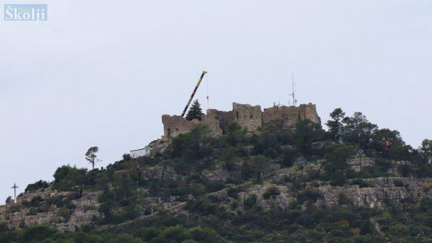 Uklanjanje antenskog stupa s Tvrđave sv. Mihovila