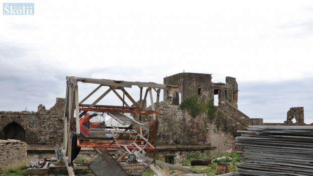 U ropotarnicu povijesti otišao antenski stup iz Tvrđave sv. Mihovila