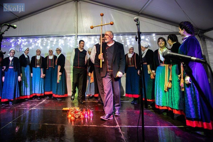 Neviska koleda i večer folklora KUD-a Nevijana