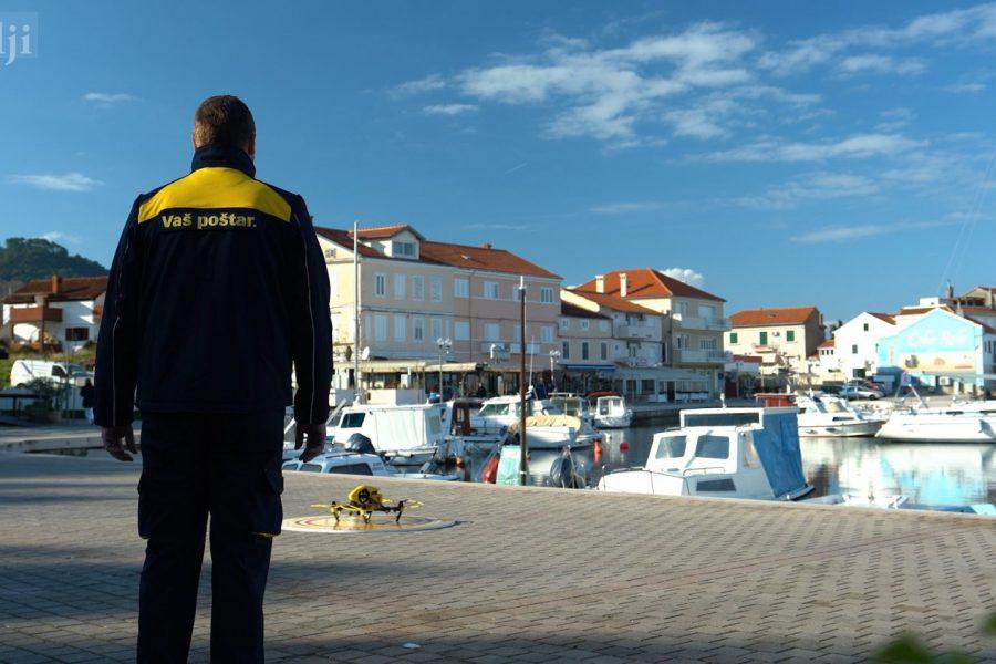 Obavljena prva dostava pisma dronom: Od Gaženice do Preka za 12 minuta