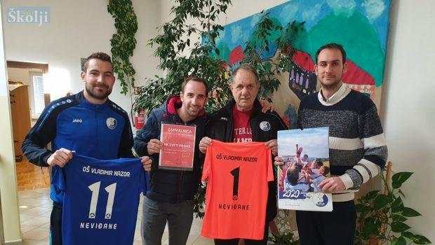 NŠK Sv. Mihovil donirao dresove školama na Ugljanu i Pašmanu