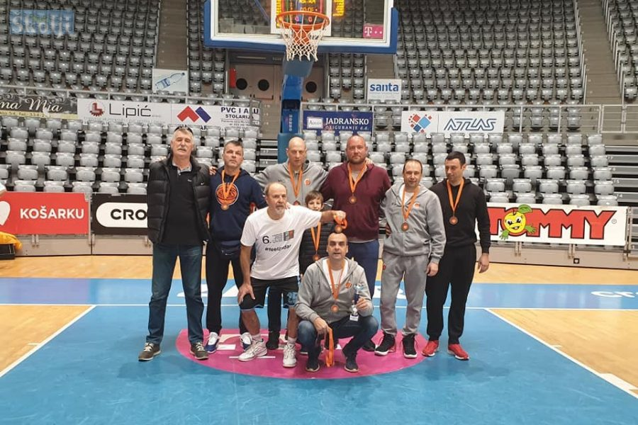 Veterani Otoka Ugljana treći na Zadar Mastersu