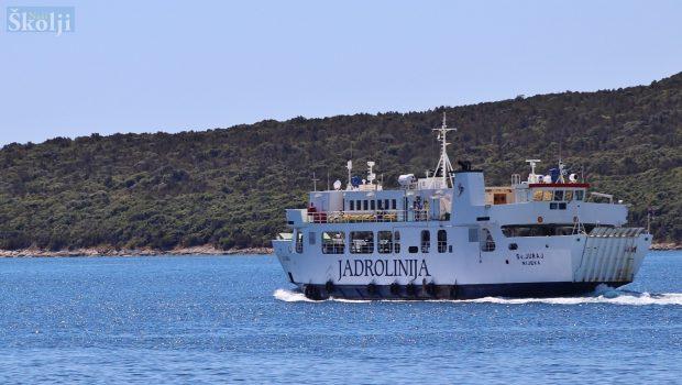 Dodatno pristajanje trajekta na otoku Rivnju
