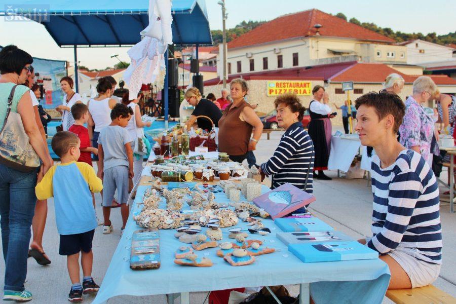 Ljetni Sajam otočnih proizvoda svaki tjedan na Mulu u Tkonu