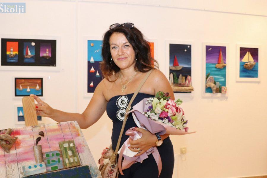 Galerija Dom na žalu otvorila vrata vrtlogu kreativnosti Ingrid Švorinić