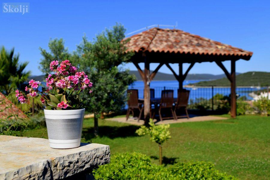 Ugljan u cvijeću: Nagrađeni najljepši vrtovi i okućnice