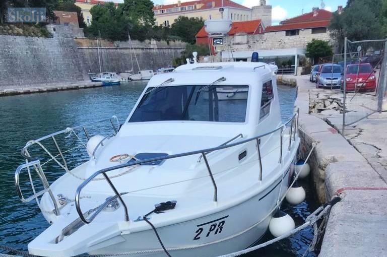 Oštećena riva u uvali Foša u Zadru opasna za pristajanje otočnog broda hitne pomoći