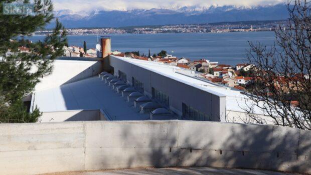 Preko: Podignut obrambeni zid koji bi trebao zaustaviti prodor vode u školu