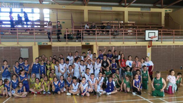 Mladi otočni košarkaši i košarkašice u iščekivanju treninga
