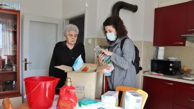 """Korisnicima u projektu """"Otočka žena"""" stigli besplatni higijenski paketi"""