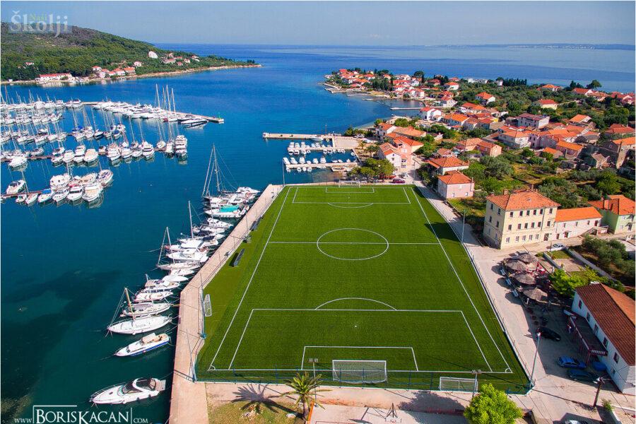 Nogometni fanovi odlučili: Igralište u Sutomišćici jedno od najljepših na svijetu
