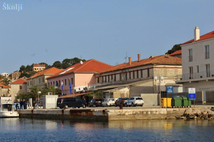 Među prvima u Hrvatskoj Sali će smanjiti plastični otpad