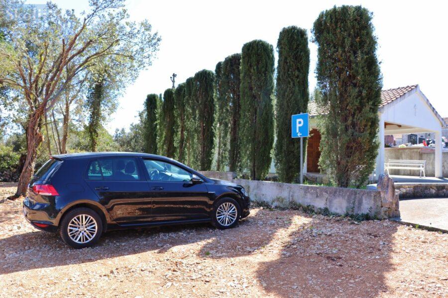 U sklopu groblja u Lukoranu i Ugljanu uređena parkirališta
